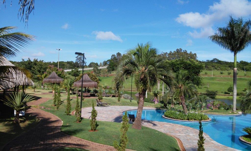 UM dos condomínios mais bonitos de Londrina, completo com Clube e Lago espetacular
